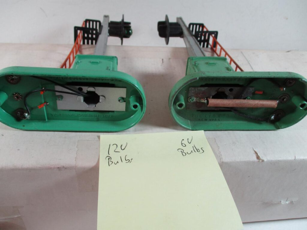 Lionel 153 block signals bases